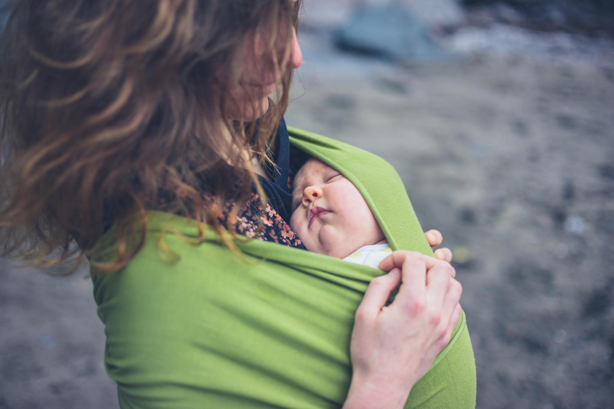 Le portage de votre bébé Le portage de votre bébé